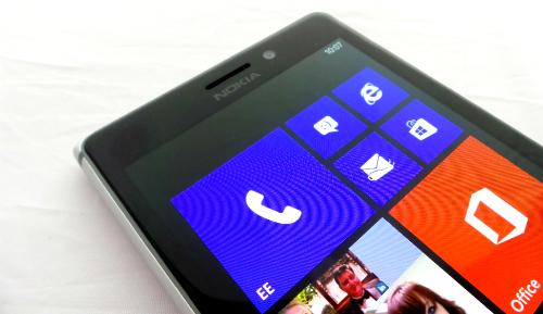 Nokia-Lumia-925-Front-Top