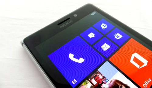 Nokia-Lumia-925-Front-Top