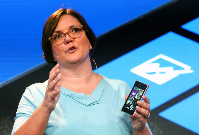 nokia-lumia-925-launch-jo-harlow